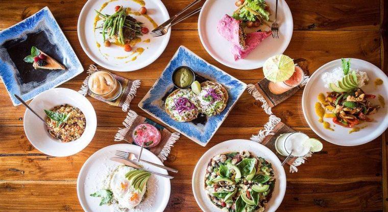178-brunch-table-_-homemade-_-present-moment-retreat-_-boutique-hotel-_-spa-resort-_-yoga-retreat-_-restaurant-_-playa-troncones-mexico-_-lovalinda-photography.jpg.1024x0-1024x560